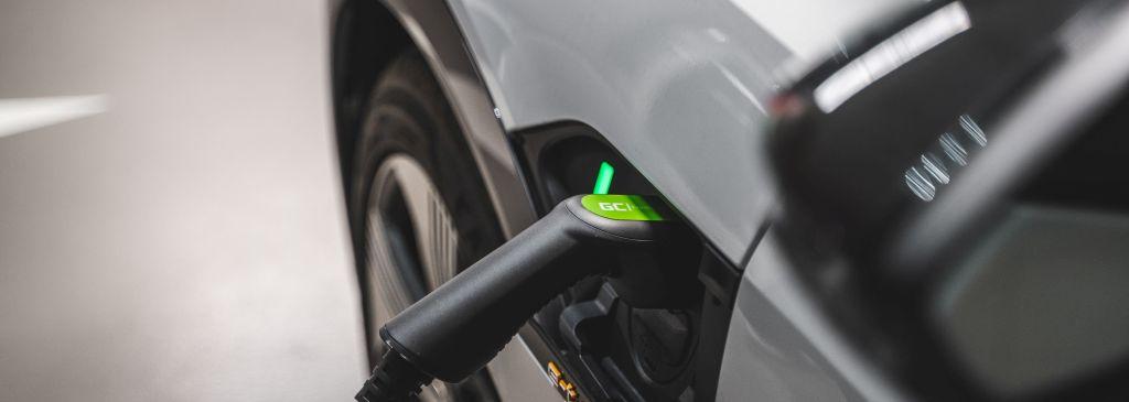 hybrid plug in charging